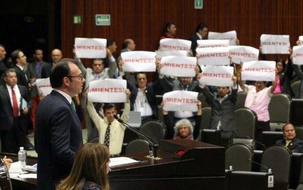COMPARECE VIDEGARAY: Dice titular de Hacienda que en enero bajaría la gasolina y pide a diputados no subir IVA en medicinas y alimentos