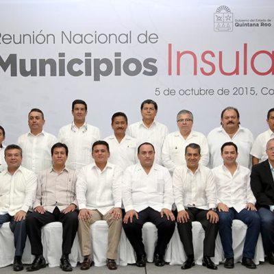 Conforman en Cozumel asociación de municipios insulares; Fredy Marrufo preside; ofrece diputado apoyo