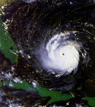 AZOTA 'JOAQUÍN' A LAS BAHAMAS: Con vientos de 215 kph, huracán categoría 4 mantiene en alerta a EU