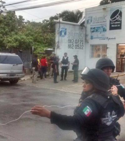 OTRO BALEADO EN CANCÚN: Violento asalto en taller de aluminio en R-97; el notario Jorge Parra, esposo de diputada Marybel Villegas, herido; presunto ladrón, también al hospital; suman 5 lesionados y 1 muerto por inseguridad