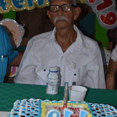 ¡FELICES 119!: Celebran en Quintana Roo cumpleaños de Don Jesús Castillo Rangel, el hombre más longevo de México