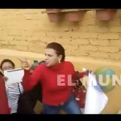 """""""NO SE BURLE, QUITE SU SONRISA"""": Madre de joven desaparecida increpa al Gobernador de Veracruz"""