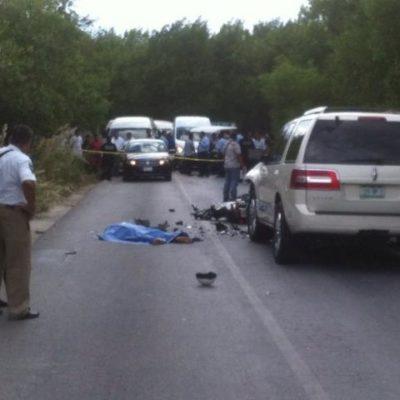 Muere motociclista al chocar de frente contra camioneta en Puerto Morelos