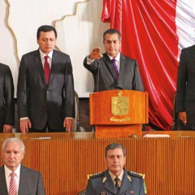 """INICIA LA ERA 'INDEPENDIENTE' DE 'EL BRONCO' EN NL: Jaime Rodríguez rinde protesta como Gobernador; """"se le acabó la fiesta a los bandidos"""", dice"""