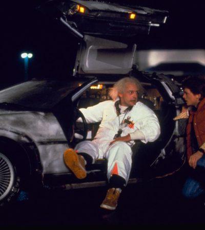 EL FUTURO ES HOY: Revuelo mundial por 30 años de la emblemática película que imaginó un viaje en el tiempo en el DeLorean que inventó el Dr Brown