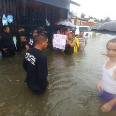 SIGUE CONTINGENCIA EN CHETUMAL POR LLUVIAS: Extienden suspensión de clases un día más en OPB, Bacalar y ahora también en BJ; la capital de QR, aún colapsada; no hay comunidades incomunicadas por inundaciones en el sur