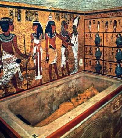TRAS LA TUMBA DE NÉFERTITI: Egipto, seguro al 90% de que existe una habitación secreta en la tumba de Tutankamón