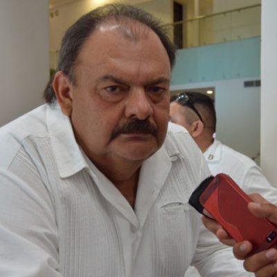 """""""POR CHISMES O RUMORES NO VAMOS A HACER CAMBIOS"""": Abuxapqui da espaldarazo a su jefe de policía; descarta 'cese' de Didier Vázquez"""