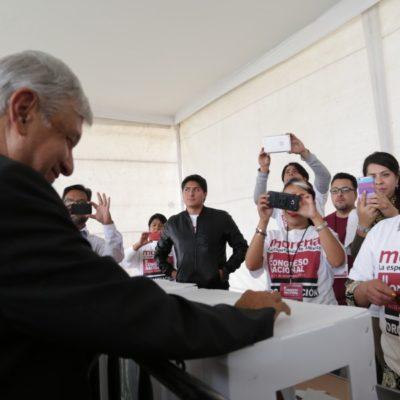 LÍDER MORAL Y AHORA TAMBIÉN FORMAL: Sin oposición y por aclamación, elige Morena a AMLO como su nuevo presidente nacional