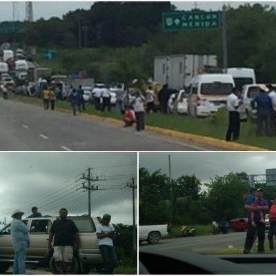 BLOQUEAN CARRETERA PARA EXIGIR LIBERTAD DE LINCHADORES: Tras varias horas, pobladores de 'Carlos A. Madrazo' amenazan con más protestas