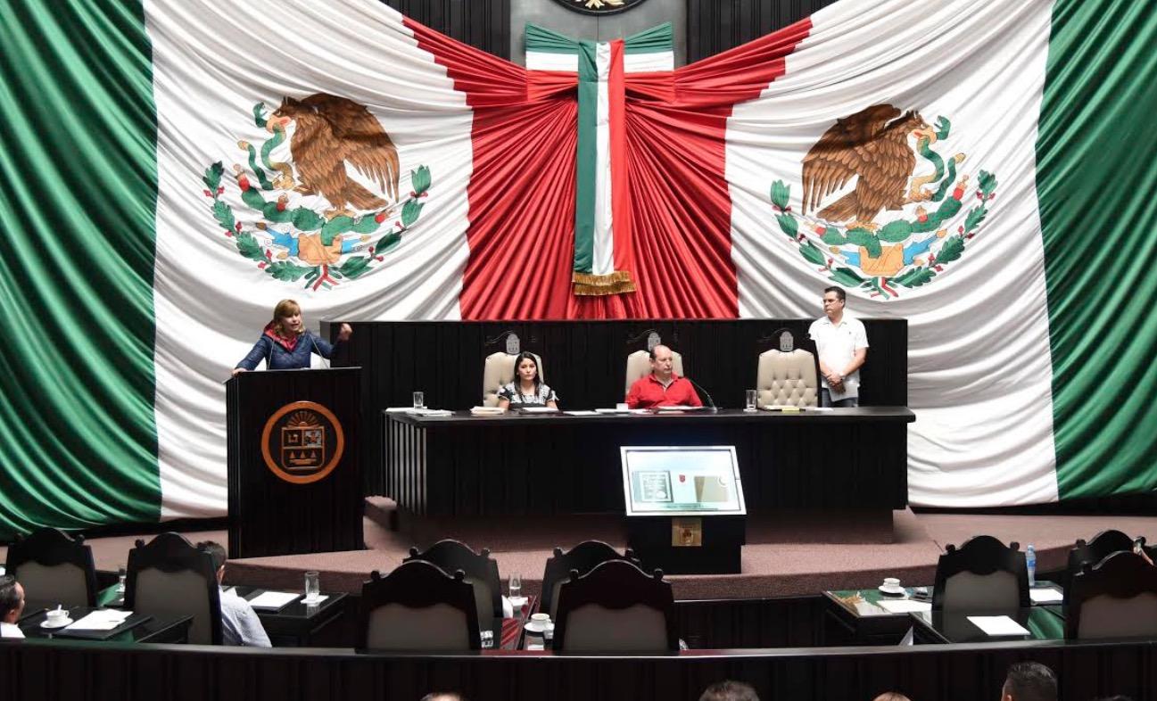 ATOLE CON EL DEDO EN EL CONGRESO: Tras polémica por paridad de género y freno a independientes, realizan diputados remiendos mínimos a Ley Electoral