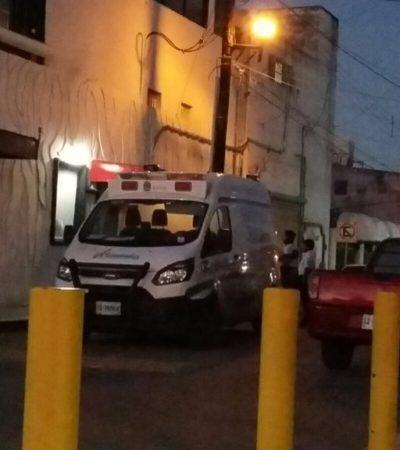 EJECUTAN A POLICÍA MUNICIPAL EN CANCÚN: De un balazo en la cabeza matan a agente en bar 'Passión' frente al Palacio Municipal; una mujer, herida