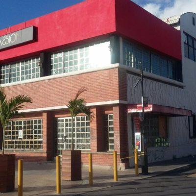 UNA RIÑA POR UNA MUJER, CAUSA DE ASESINATO DE POLICÍA: Agente muerto en bar frente al Palacio Muncipal intervino en defensa de compañero