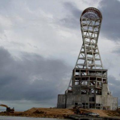 Inician trabajos de 'rescate' de la 'megaescultura' en Chetumal; gastarán 100 mdp para construir museo