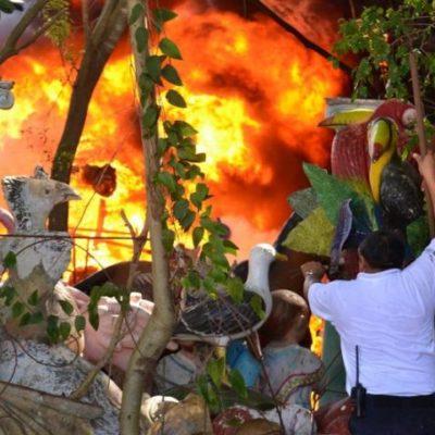 QUEMAZÓN EN COZUMEL: Incendio destruye taller de fibra de vidrio en la colonia Emiliano Zapata