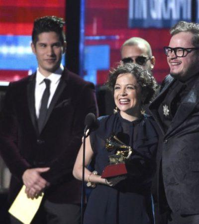 BRILLA NATALIA LAFOURCADE EN LOS GRAMMY'S: Recibe la cantante mexicana cuatro premios, incluyendo Canción y Grabación del Año