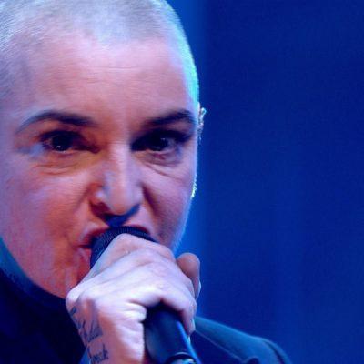 """""""HE TOMADO UNA SOBREDOSIS"""": Rescatan a la cantante irlandesa Sinéad O'Connor tras una nota de suicidio colgada en su Facebook"""