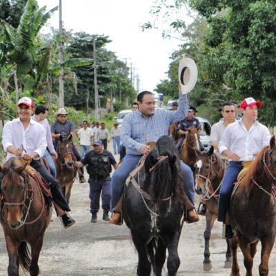 DERROCHA BORGE EN SU ÚLTIMO 'CUMPLE' COMO GOBERNADOR: Fiesta multitudinaria con cabalgata, toros y comilona para festejar sus 36 años