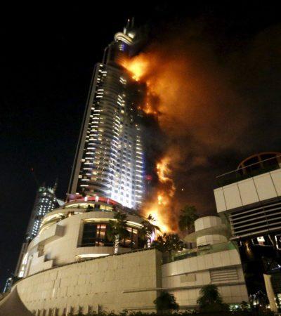 ARDIENTE INICIO DE AÑO EN DUBAI: En plenos festejos por el Año Nuevo, incendio consume rascacielos próximo al edificio más alto del mundo