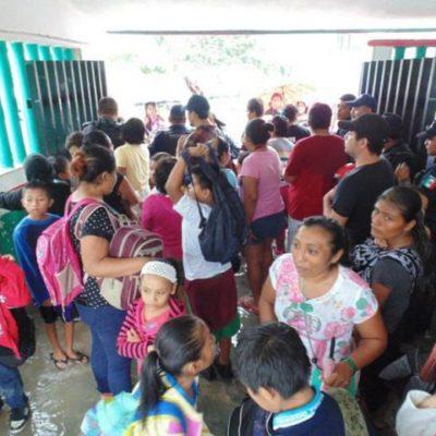 Revuelta de padres en una escuela de Playa por agresión de maestro a un alumno