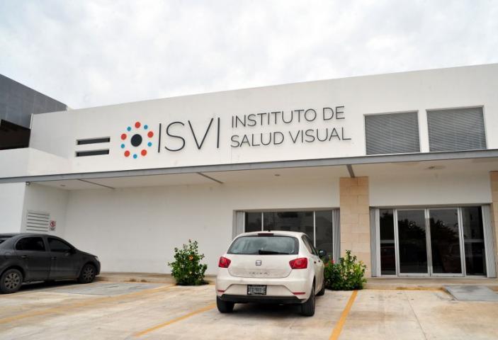 """""""ESTAMOS VIVIENDO UNA PESADILLA"""": Exigen justicia para ancianitos víctimas de negligencia médica en hospital privado de Cancún; SESA, ausente"""