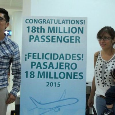 Un mexicano residente en Cancún, el pasajero 18 millones del 2015 en el aeropuerto