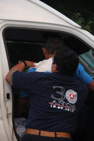 MORTAL CHOQUE EN FCP: Camión del hotel Palladium se impacta contra una Urvan; 1 muerto y 10 heridos