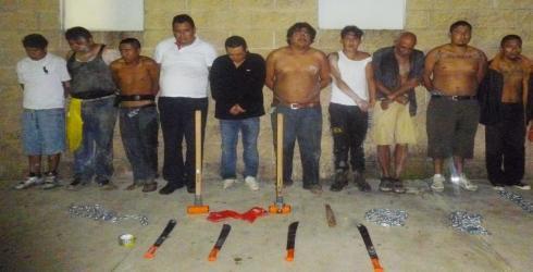 FRUSTRAN INVASIÓN EN XCALACOCO: Detienen a 11 hombres que ingresaron a predio costero al norte de Playa del Carmen