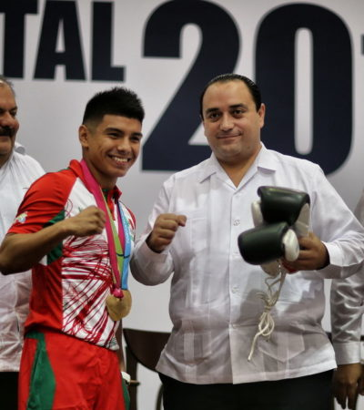 TERMINA BORGE CON EL 'QUINTANARROÍSMO': Entrega Premio Estatal del Deporte a Joselito Velázquez, un orgulloso oaxaqueño