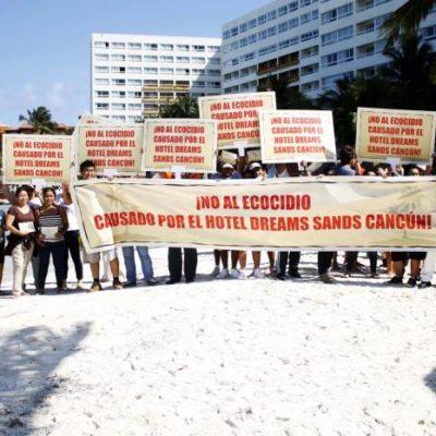 Protestan por erosión en la playa por espigones del hotel Dreams en Cancún