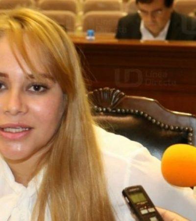 """""""ESTOY PRACTICAMENTE SECUESTRADA"""": Retienen a diputada de Sinaloa acusada de reunirse con 'El Chapo' Guzmán"""