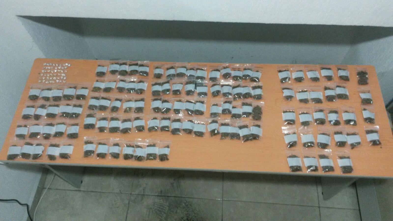 CAEN EN CANCÚN PUROS 'CHAPITOS': Con armas, marihuana y 'crack', capturan a 2 presuntos sicarios y 9 'tiradores' en 2 diferentes operativos