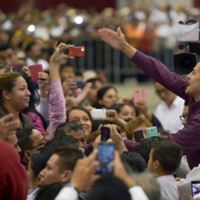 """""""SIEMPRE ME 'REGORDEO'"""": Incurre Peña Nieto en nuevo gazapo en discurso durante reunión con campesinos en Boca del Río"""