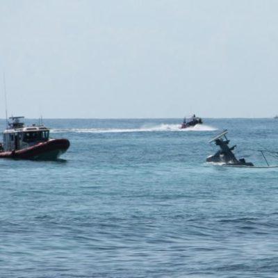 Derrama combustible en el mar patrulla hundida de la Marina en Puerto Aventuras