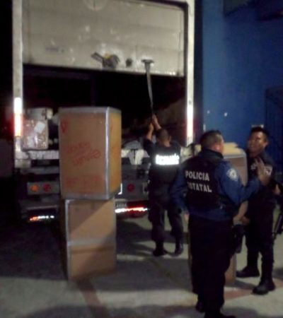 Interceptan contrabando de cigarros en empresa de paquetería en Chetumal