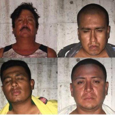 Muestran a narcomenudistas detenidos en Playa Ballenas; los acusan también de extorsión