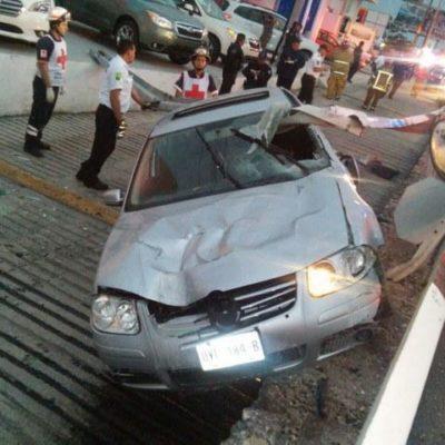 Muere hombre al chocar auto por jugar carreritas en el boulevard Colosio de Cancún