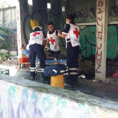 LE SACAN LOS OJOS A UN JOVEN EN CANCÚN: Con huellas de tortura y el rostro desfigurado, rescatan a guatemalteco en predio abandonado en SM 64
