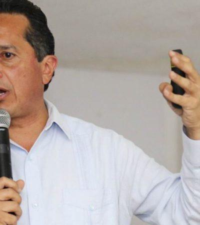"""Dice Carlos Joaquín que la supuesta unidad del PRI """"está basada en la amenaza, la imposición y el chantaje"""""""