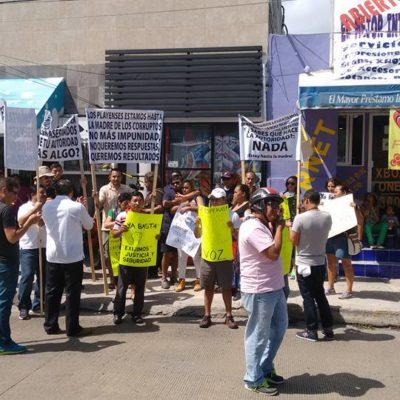 SE LE CAE EL 'TEATRO' DE LA SEGURIDAD A MAURICIO: Protestan por asesinato de tatuador en Avenida 30; autoridades trataron de ocultar el crimen