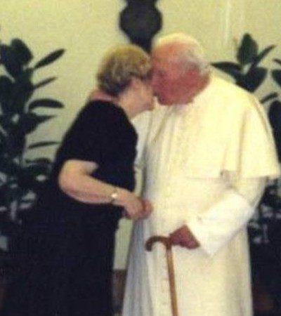 LAS CARTAS SECRETAS DE JUAN PABLO II: Revela BBC la intensa amistad durante más de 30 años del fallecido Papa con una mujer
