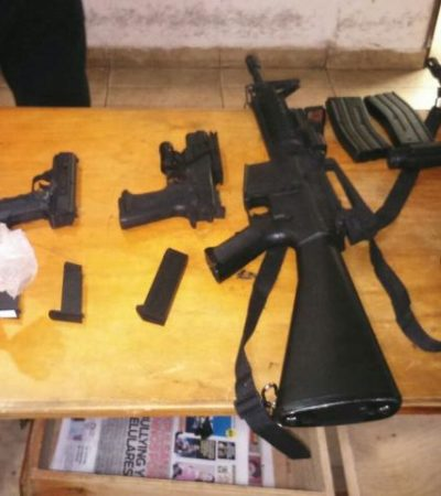 Aseguran a adolescentes en Cozumel replicas de armas cortas y largas que disparan balines