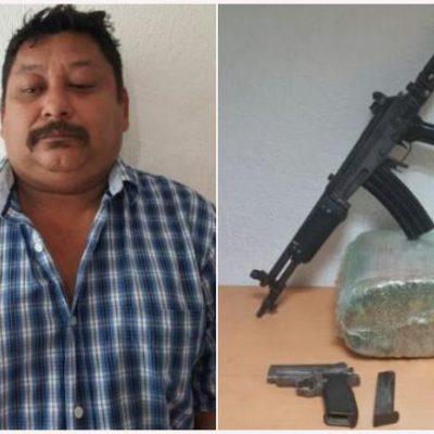Con armas cortas y largas y casi 5 kilos de marihuana, detienen a 'tirador' independiente en Cancún