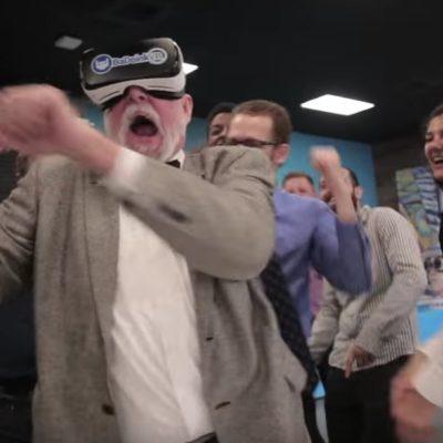 LA INDUSTRIA DEL PORNO VE EL 'FUTURO': Pornhub lanza canal de realidad virtual y lo promociona con hilarante comercial para todo público