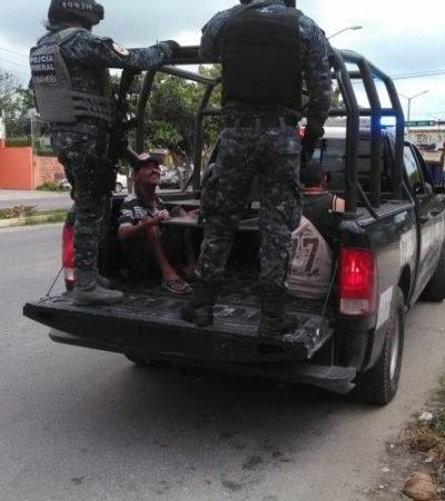 Lanzan bombas molotov contra vivienda en Cancún; se incendian 2 motos