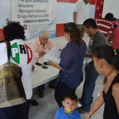 """TAPA PRI CON 'CURITAS' LA RAJADA: Ante renuncia masiva de priistas, reacciona 'Ray' con afiliación """"por voluntad propia"""" de cientos de burócratas"""