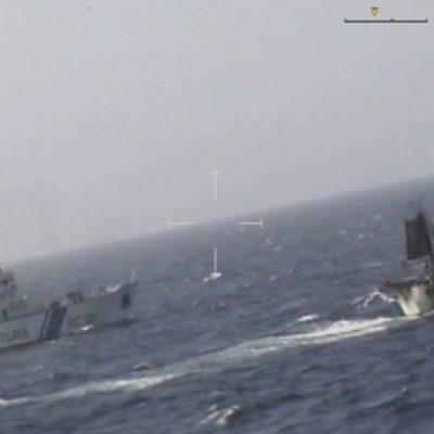 Por presunta pesca ilegal, guardacostas de Argentina hunde un pesquero chino en sus aguas