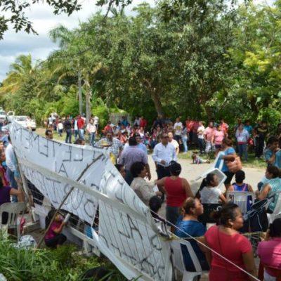 Bloquean acceso a comunidad 'Miguel Hidalgo' en reclamo de atención médica básica