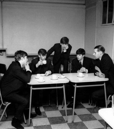ADIÓS A GEORGE MARTIN, EL 'QUINTO BEATLE': A los 90 años, fallece una de las piezas claves en el éxito de la emblemática banda británica