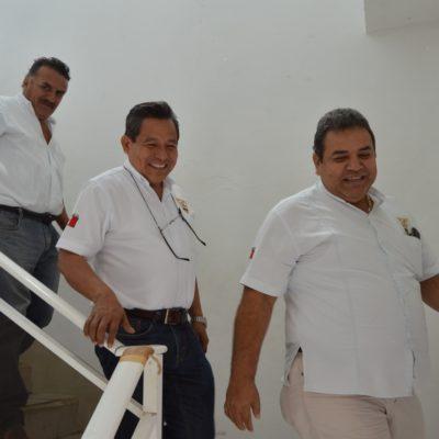 OFRECEN SUS AUTOS PARA LO DE SIEMPRE: Pretenden taxistas 3 posiciones del PRI en Ayuntamiento de OPB